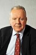 Billy Beaumont CBE
